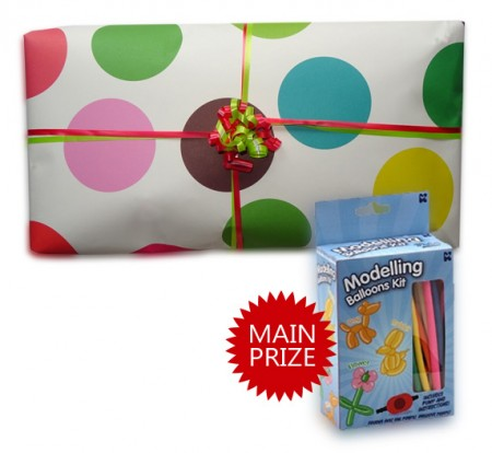 Bunch Of Balloons Option 1 Pass The Parcel - Parcel And Main Prize